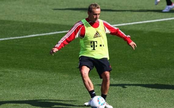 Doha: Bayern Munich training, Rafinha