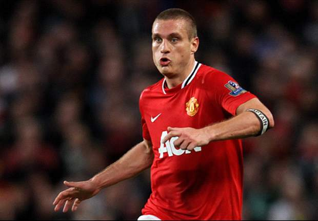 Manchester United captain Vidic returns to full training
