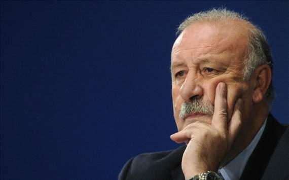 المدير الفني لمنتخب إسبانيا بيثنتي ديل بوسكي يعلن عن تشكيلة منتخب اسبانيا