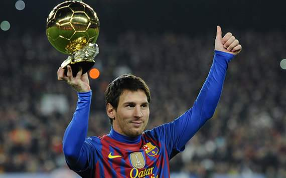 Liga BBVA: Lionel Messi presents Ballon d'Or