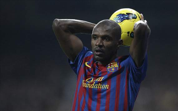 Eric Abidal realiza su primer entrenamiento con el grupo