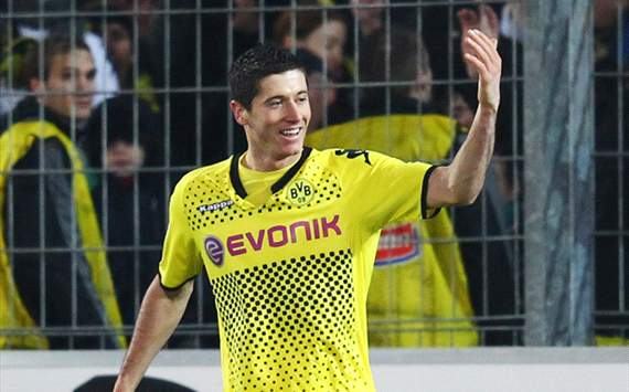 Dortmund insist Lewandowski not joining Manchester United