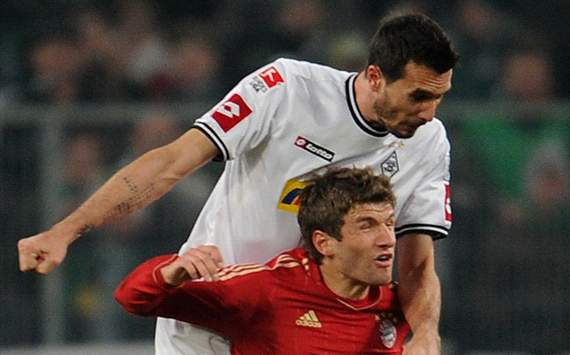 Bundesliga: Borussia Mnchengladbach - Bayern Munich, Martin Stranzl and Thomas Mller