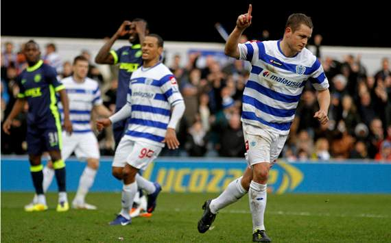 EPL: Heidar Helguson -Shaun Wright-Phillips, QPR v Wigan Athletic