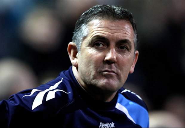 Struggling Bolton back under-fire boss Owen Coyle