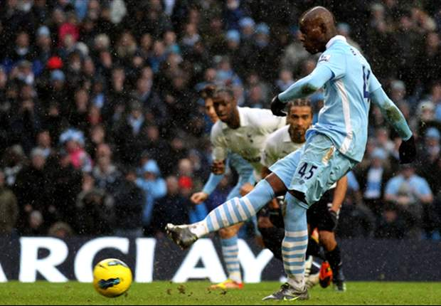 Manchester City's Balotelli probably the best penalty taker in the world - Hart