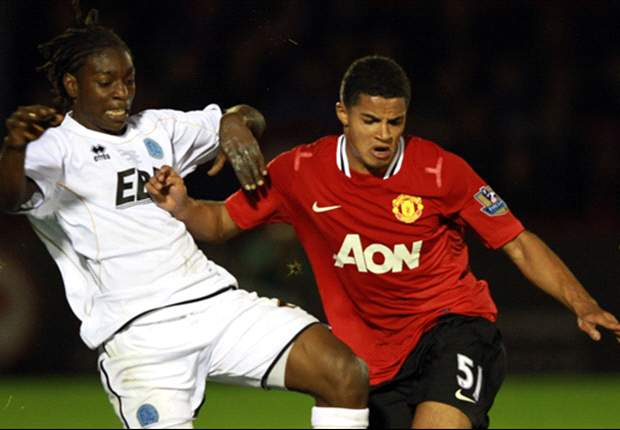 Tottenham agree to sign Manchester United youngster Zeki Fryers