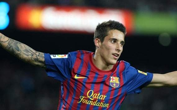 Cristian Tello posa con el resto del equipo del Barcelona en la sesin fotogrfica de la UEFA
