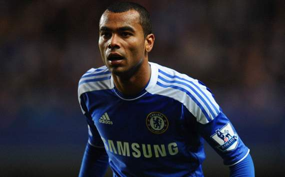 Jose Mourinho Ingin Reuni Dengan Ashley Cole