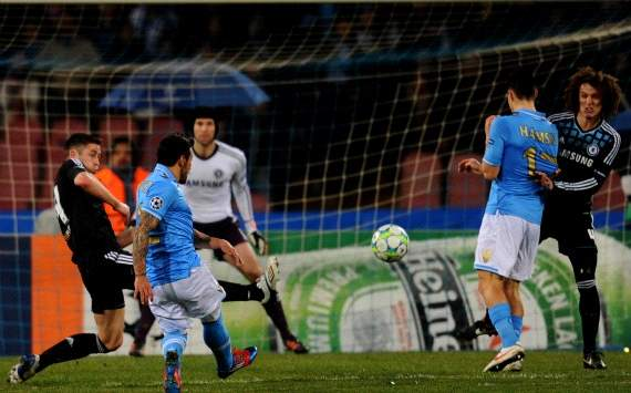 Champions League - Napoli v Chelsea: Ezequiel Lavezzi's goal (Getty Images)