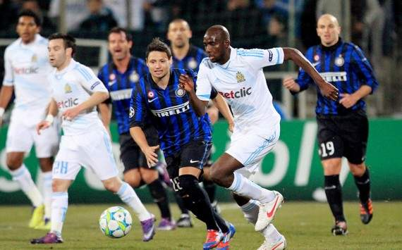 Champions League : Alou Diarra vs Mauro Zarate (Olympique de Marseille vs Inter Milan)