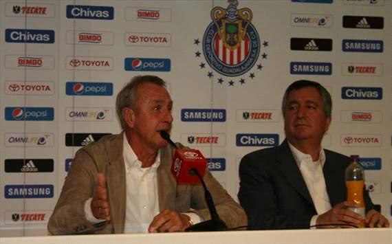 Cruyff presentado en Chivas