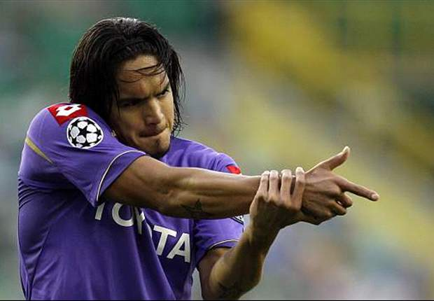 Liverpool start talks with Fiorentina over Juan Manuel Vargas - report