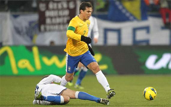 Hernanes aims to 'give a jolt' to his career following Olympics snub