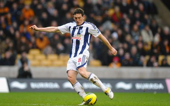 Bolton to sign Ireland midfielder Keith Andrews - report