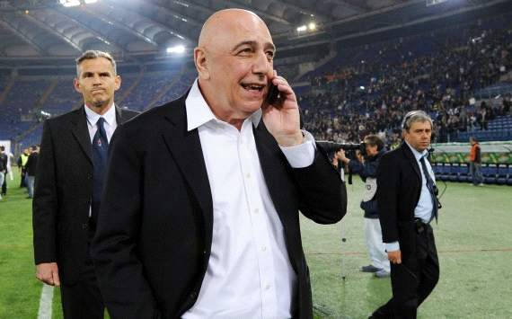 Galliani refutes Robinho's departure and Julio Cesar's arrival