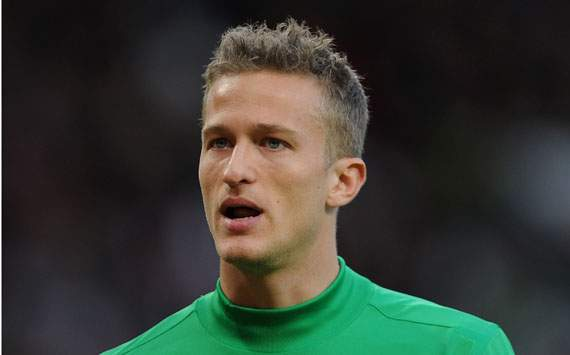Manchester United keeper Lindegaard: It's not easy being on the bench