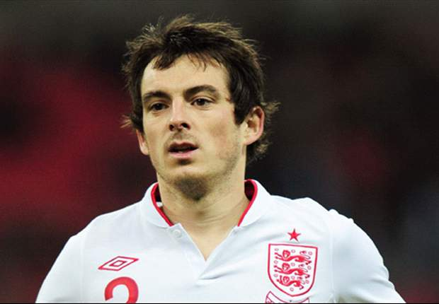 Everton star Baines hoping club form will earn England opportunity