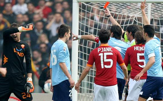 Stekelenburg: Serie A referees should be investigated for corruption
