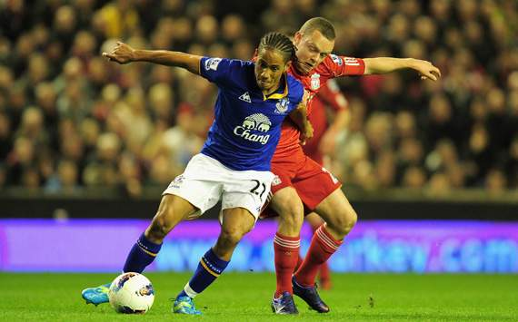 Tottenham and Everton agree Pienaar deal