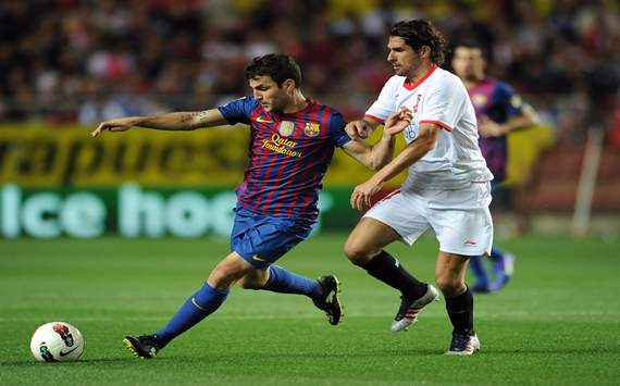 Sevilla defender Escude interested in China move