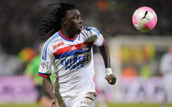 Bafetimbi Gomis dismisses idea of leaving Lyon