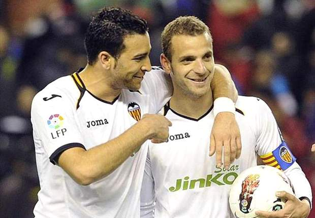 Soldado hoping to end career at Valencia after signing new five-year contract