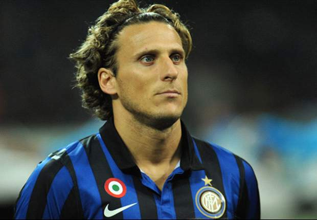 Agent dismisses rumours of Inter's Diego Forlan to moving AC Milan