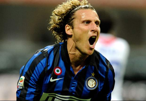 Forlan will remain at Inter, reveals father