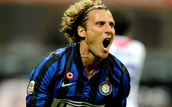 AC Milan eye shock Forlan swoop - report