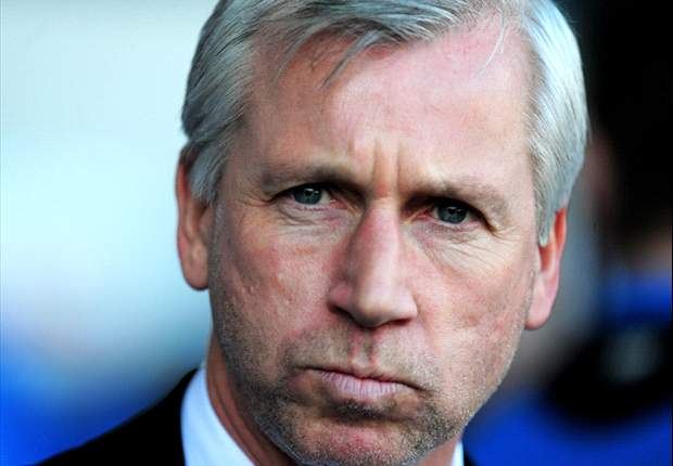 Pardew signs new eight-year deal with Newcastle