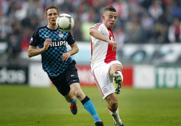 Alderweireld will stay at Ajax despite Newcastle interest