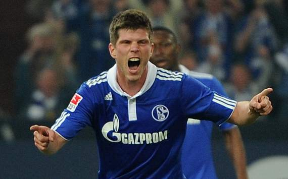 Bayern monitoring Huntelaar as Schalke scramble to extend deal