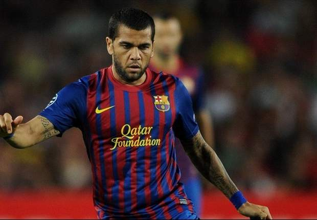 Dani Alves misses Barcelona training with ankle injury