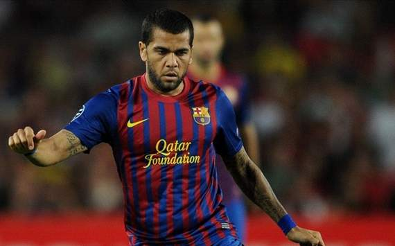 Dani Alves: I want to stay at Barcelona