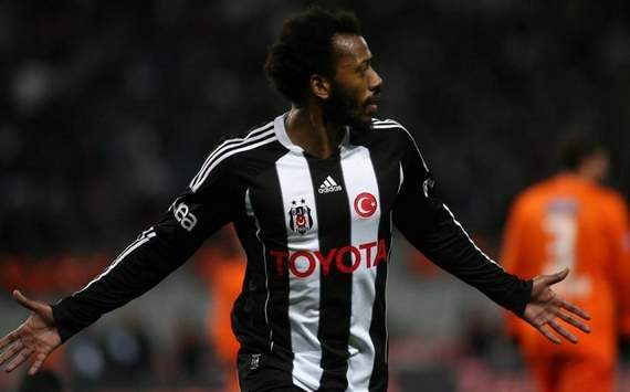 Besiktas to keep Fernandes and Almeida