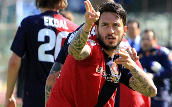 Pinilla desperate to stay at Cagliari