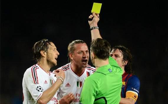 حكم مباراة برشلونة و الميلان يرد على إبراهيموفيتش