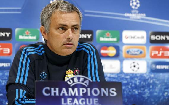 Mourinho to receive career award from Portuguese reporters