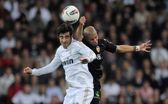 Raúl Albiol, Sofiane Feghouli - Real Madrid vs Valencia