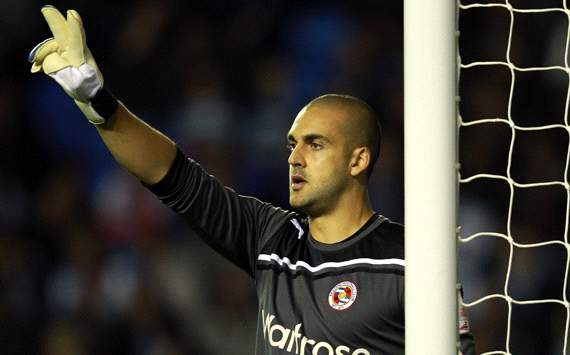 Australian goalkeeper Federici signs new Reading deal