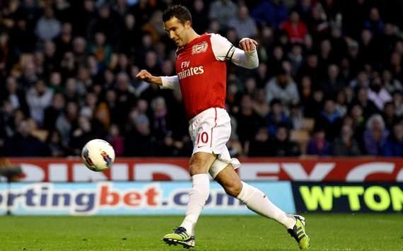 EPL: Robin van Persie, Wolverhampton v Arsenal