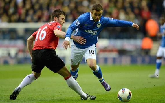 EPL: Shaun Maloney - Michael Carrick, Wigan Athletic v Manchester United