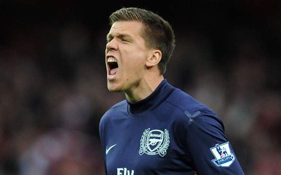 Arsenal keeper Szczesny relieved to put 2012 behind him