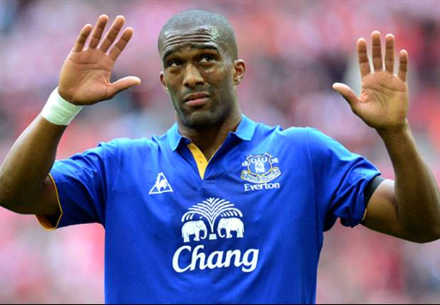 Distin wants Pienaar and more new faces at Everton