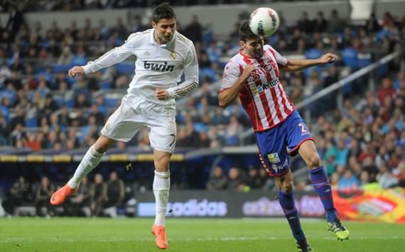 Cristiano Ronaldo, Alberto Botia, Real Madrid, Sporting Gijon