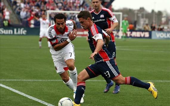 Ryan Guy, Dwayne De Rosario; DC United - New England Revolution