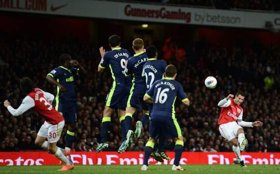 Robin van Persie, Arsenal v Wigan Athletic - Premier League