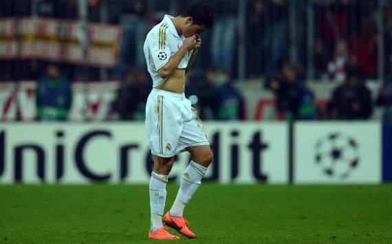 لاعبي ريال مدريد يتعرضوا للسرقة في ملعب آليانز آرينا !!