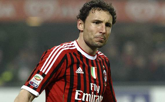 Agent: Van Bommel unsure about AC Milan future